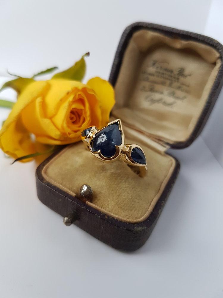 Sapphire+cabochon+ring.jpg