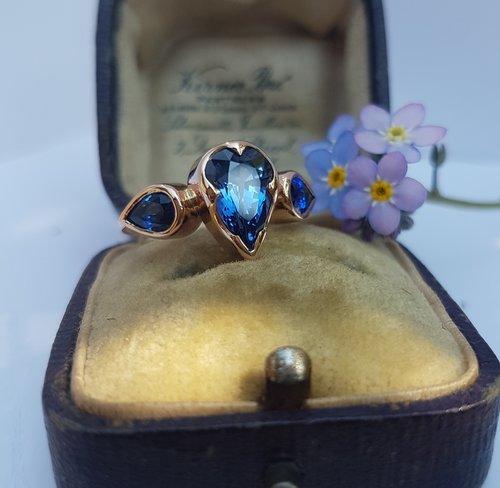 Sapphire+ring+by+Fran+Barker+Design.jpg