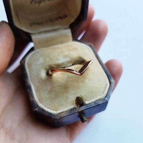 18ct+Gold+Wishbone+Ring.jpg