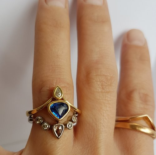 Diamond+and+Sapphire+bridal+set.jpg