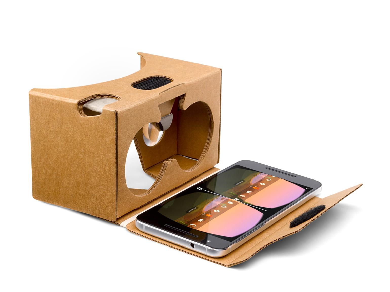 Google Cardboard  - Toimii kaikilla älypuhelimilla.