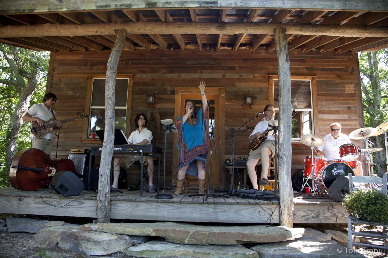 Andrea-Templon-live-band-group-Taste-of-Stokes.jpg