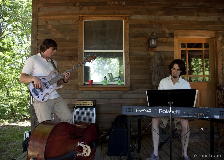nathan-scott-bass-justin-nelson-piano-andrea-templon-friends-band-jazz-taste-of-stokes.jpg