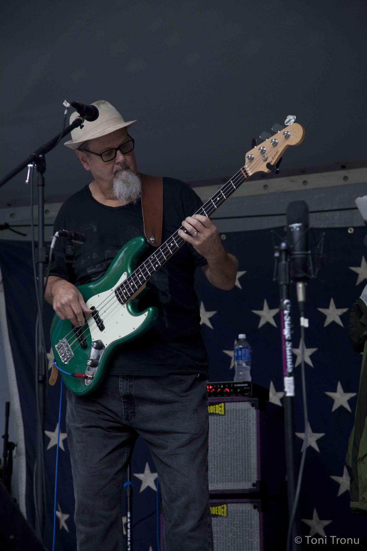 electric-bass-musician-roger-tiny-kohrs-stokes-stomp-danbury-north-carolina-live-music-festival-september-2014.jpg