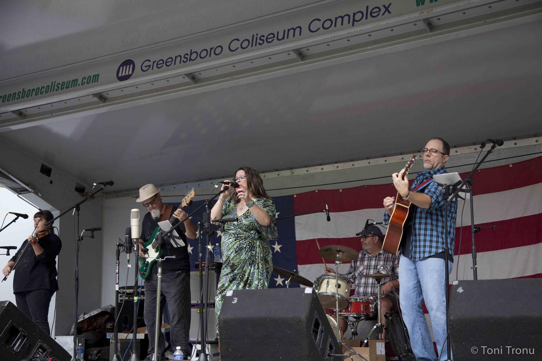 fiddle-band-stokes-stomp-danbury-north-carolina-andrea-templon-vocalist-americana-eclectic-rock-blues-festival.jpg