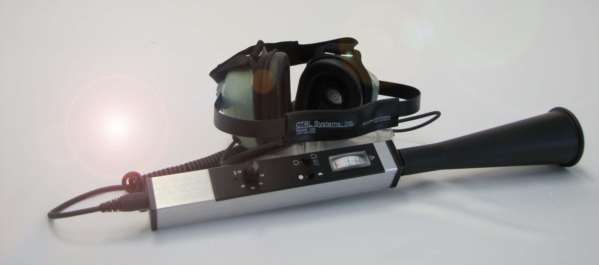 UL101 Receiver with headset and Large concentrator for leak detection