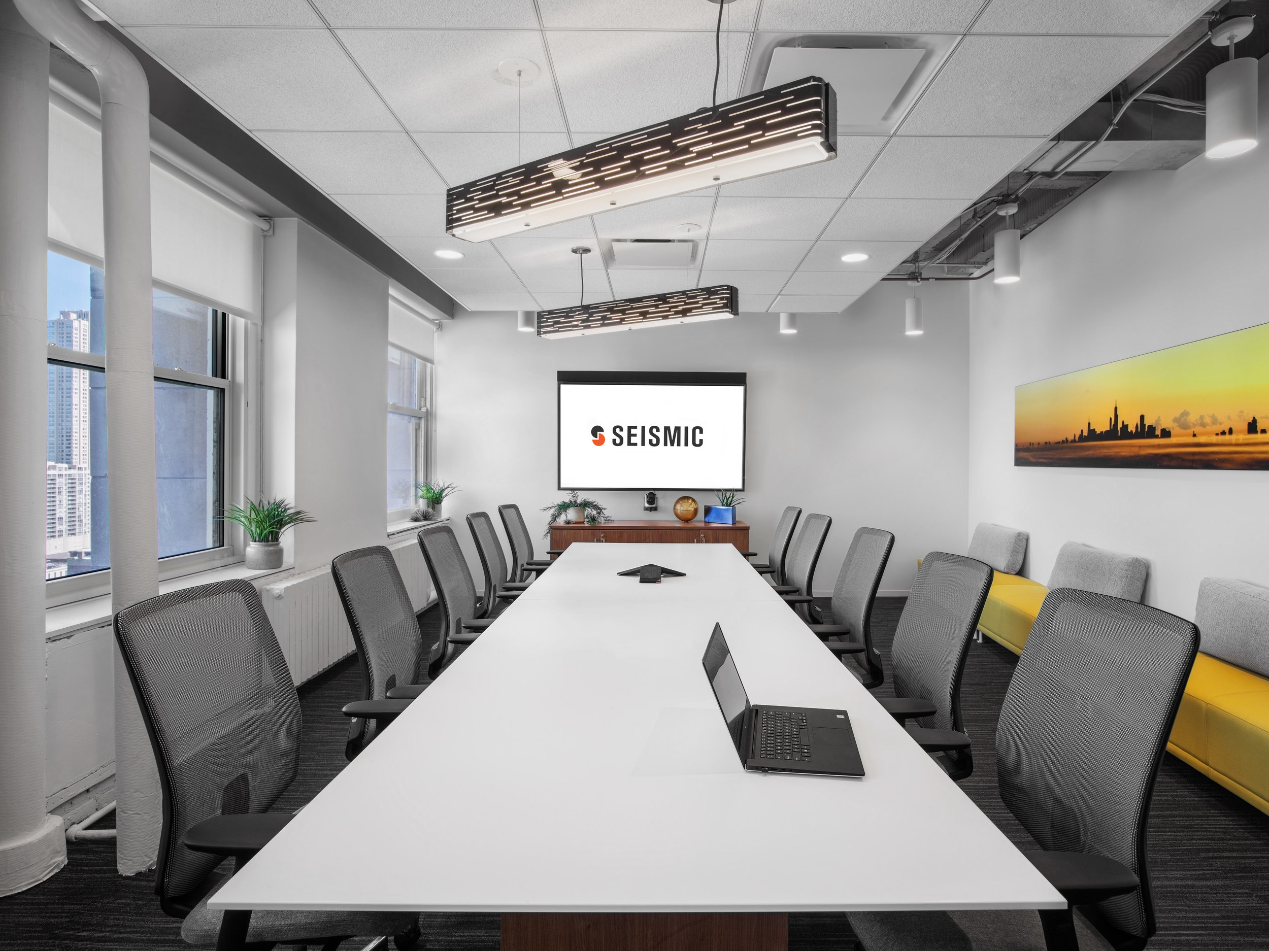 interior photography chicago box studios conference room-2.jpg