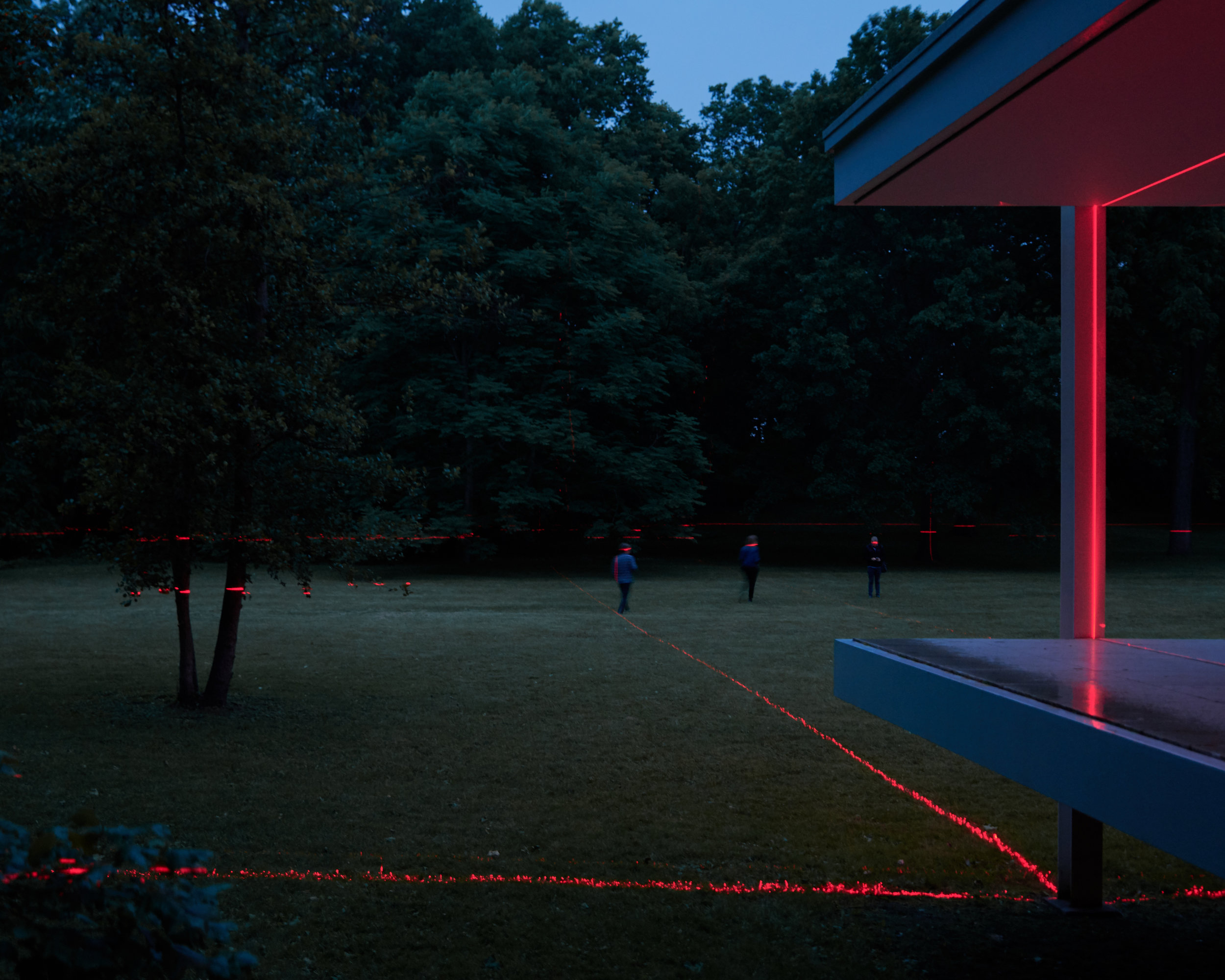 Architecture photography of Luftwerk art installation at Mies van der Rohe's Farnsworth House