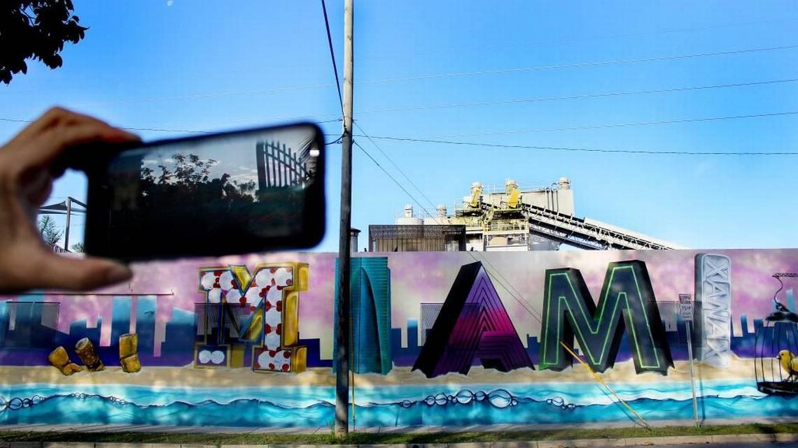 Miami_Murals_Leslie_Ovalle_3.jpeg