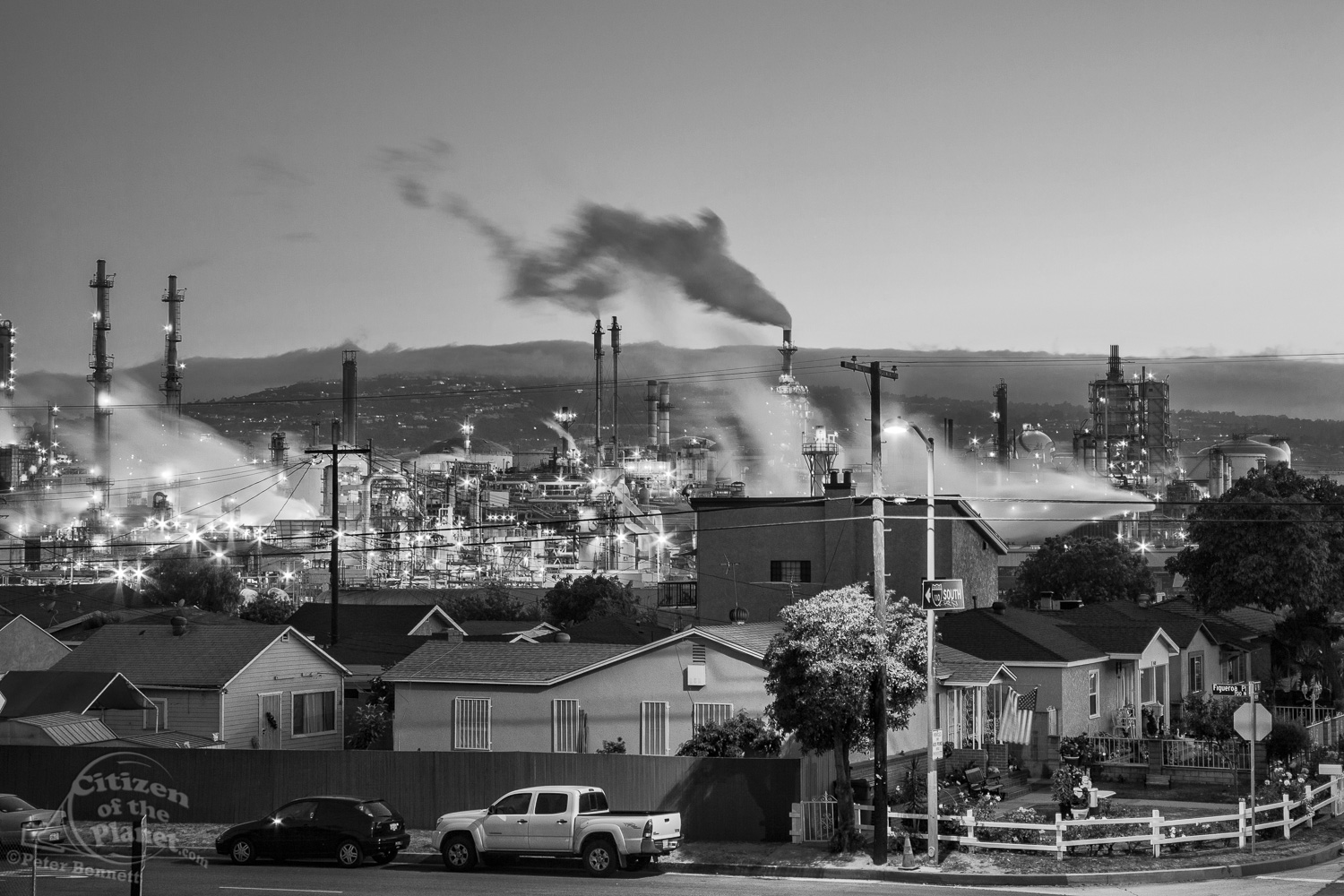 Residential houses next to oil refinery at Wilmington. Wilmingto