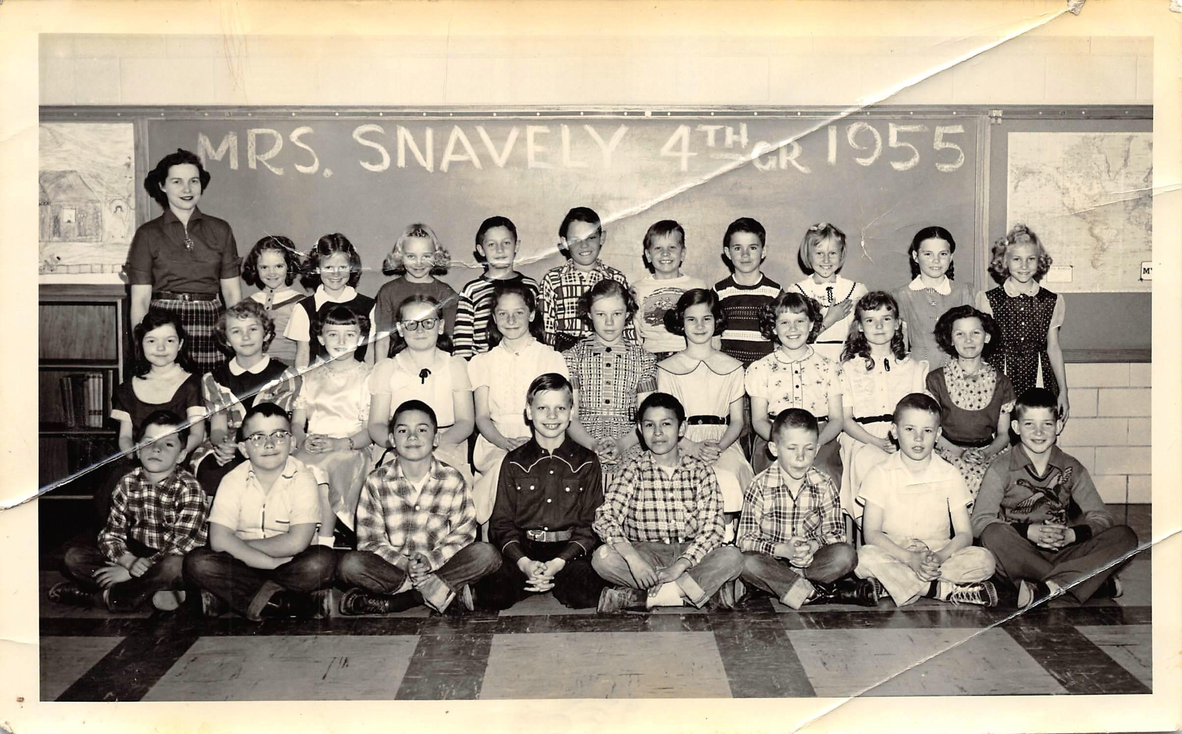 1955 Mrs. Snavely 4th Grade Class.jpg