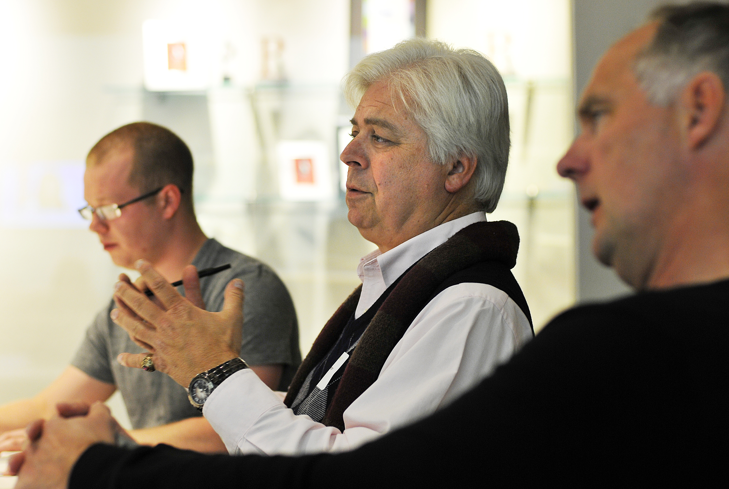 eWEEK editor Chris Preimesberger grills a presenter during a startup feedback seminar at Edelman.