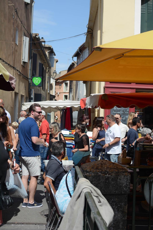 isle-sur-la-sorgue-market-1.jpg