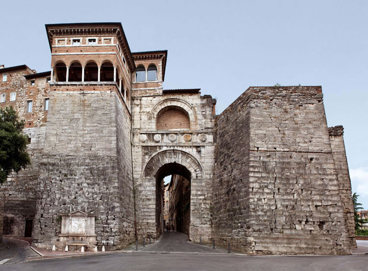 perugia_etruscan_arch.jpg