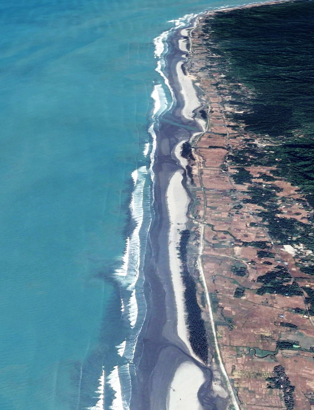 Inani beach's perspective view (beach length: 14 km.)