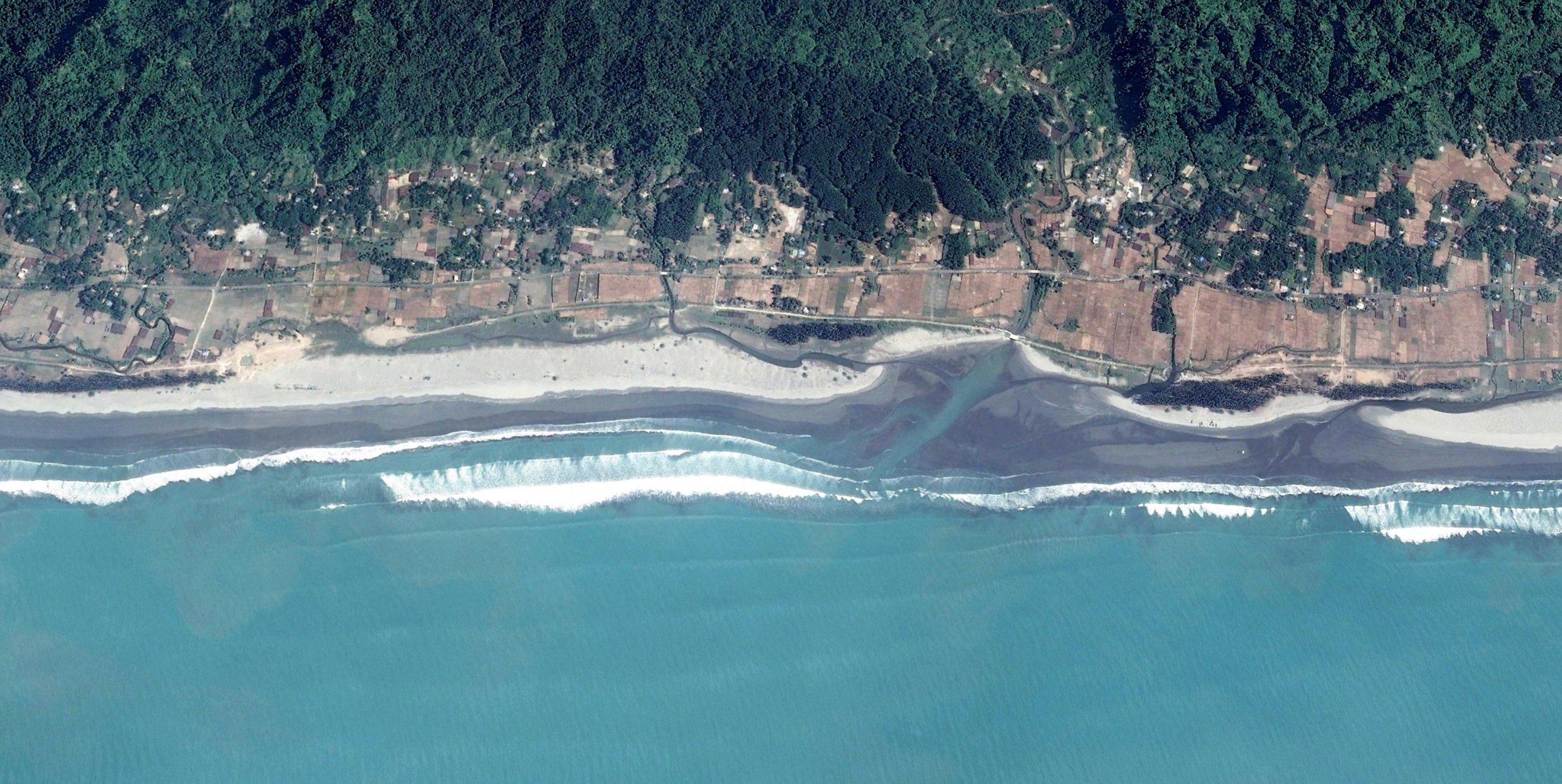Inani beach (beach length: 14 km.)