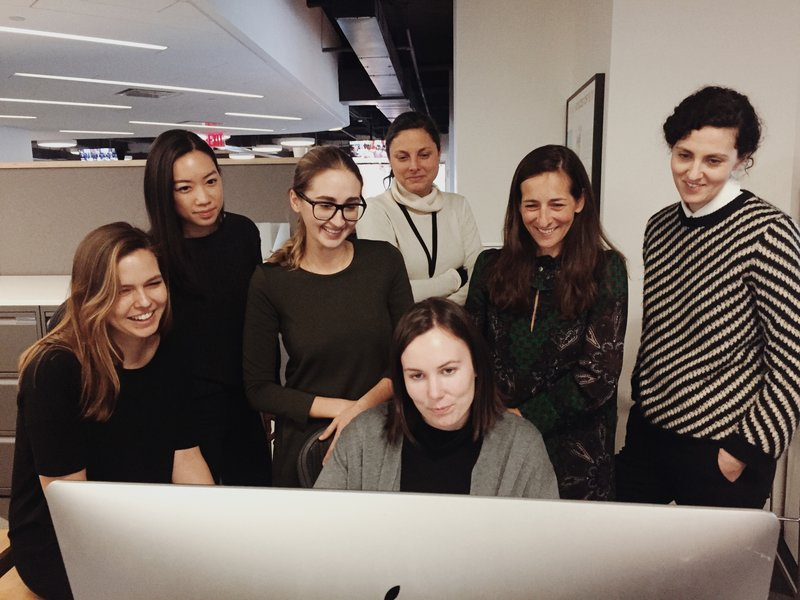 Photographer Luisa Dörr reviews a picture edit at the TIME offices with the project team (l-r): Spencer Bakalar, Diane Tsai, Luisa Dorr, Justine Simons, Tara Johnson (front center), Kira Pollack and Natalie Matutschovsky. Image via TIME.