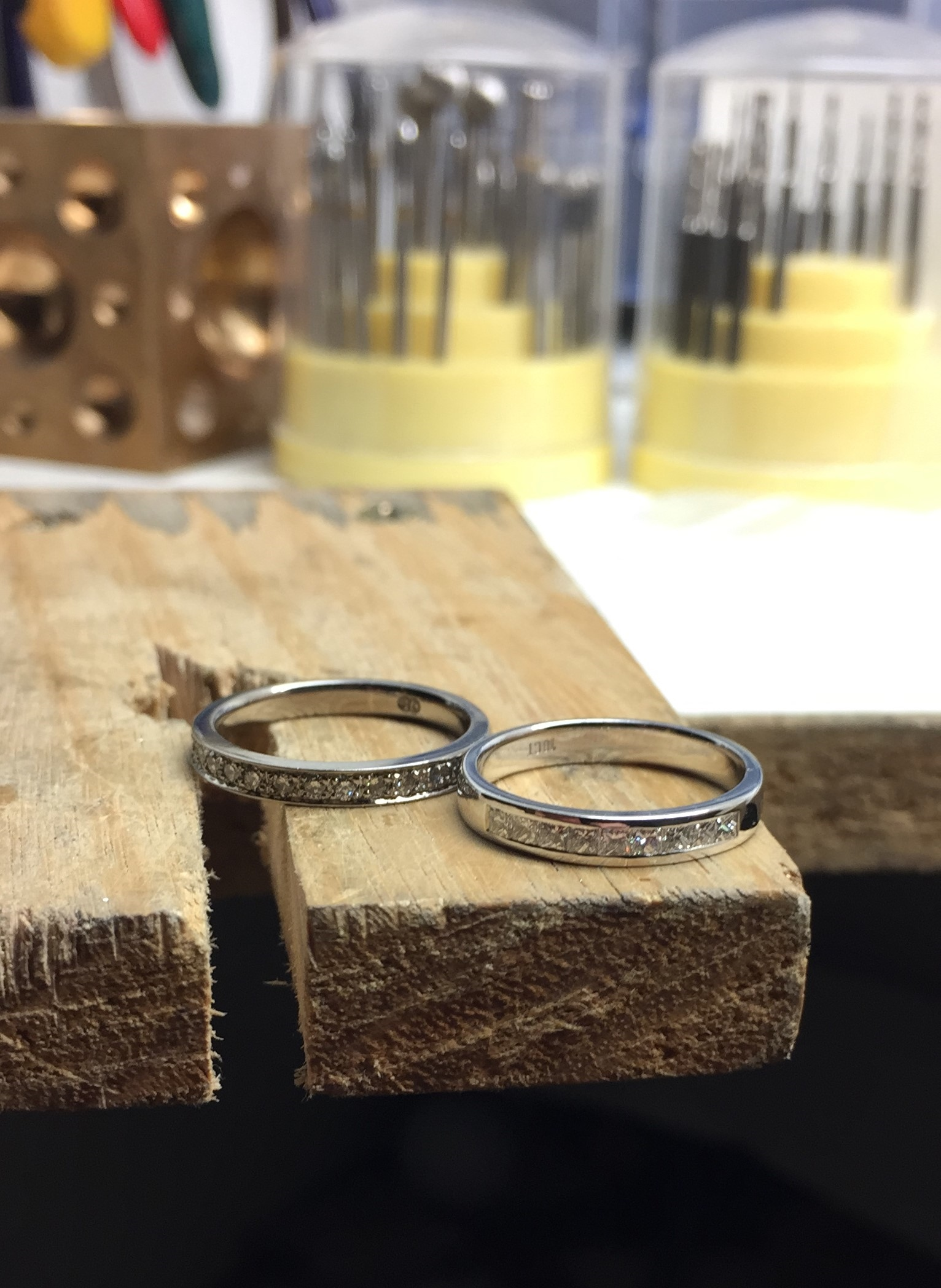 White gold with a high palladium content will still retain its colour (not yellow) without rhodium plating (left side) compared to a rhodium plated piece (right side) - Harlequin Jewellers