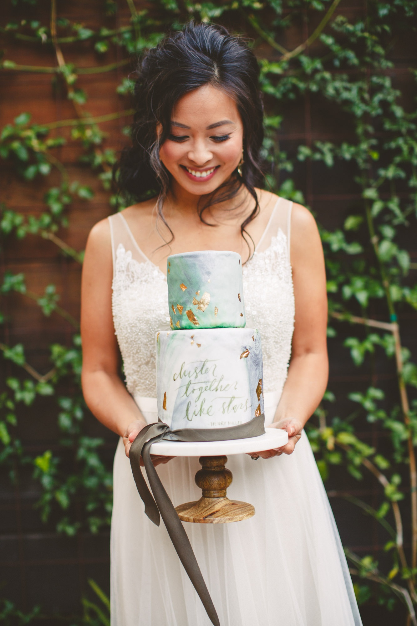 Big Sur wedding inspiration photoshoot at Glen Oaks styled and coordinated by Grace Lorenzen (let her plan all your events, she's amazing). Cake script by Whitney Hoffman of Rosey Calligraphy, photo by Cameron Ingall's Photography.
