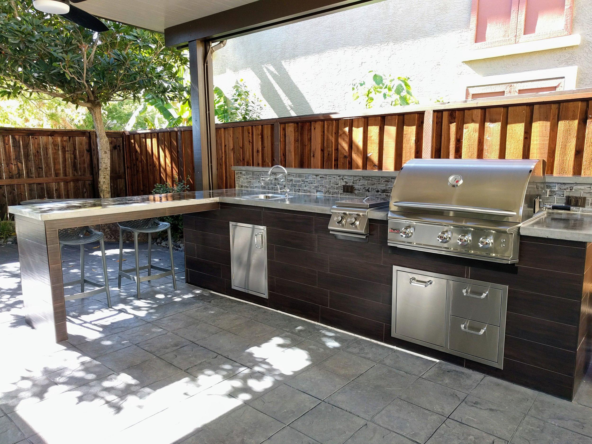 Creative Outdoor Kitchens