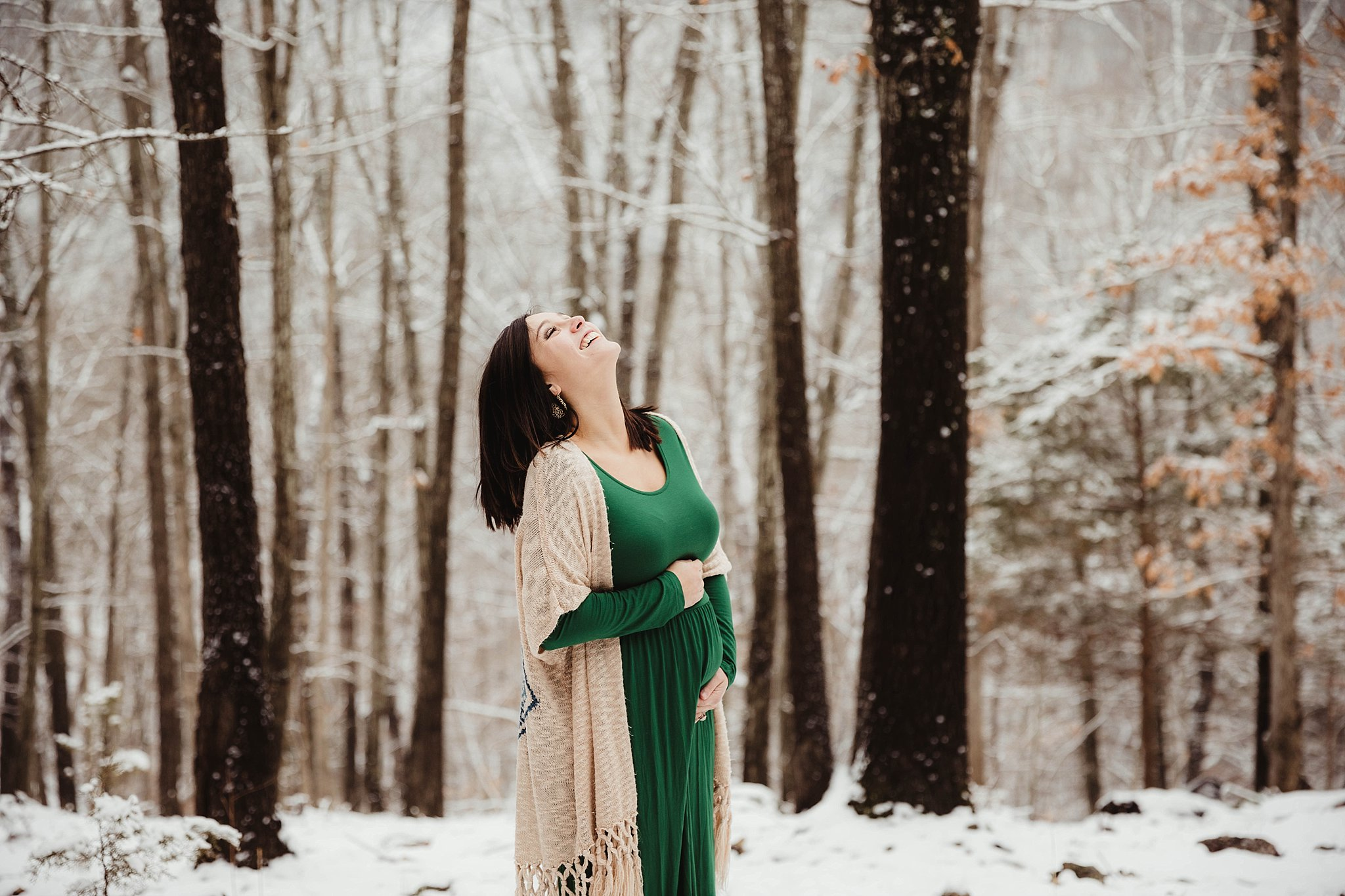 20181227-maternity-photo-outdoor-snow-newborn-picture-best-baby-photographer-missouri-camdenton-03.jpg