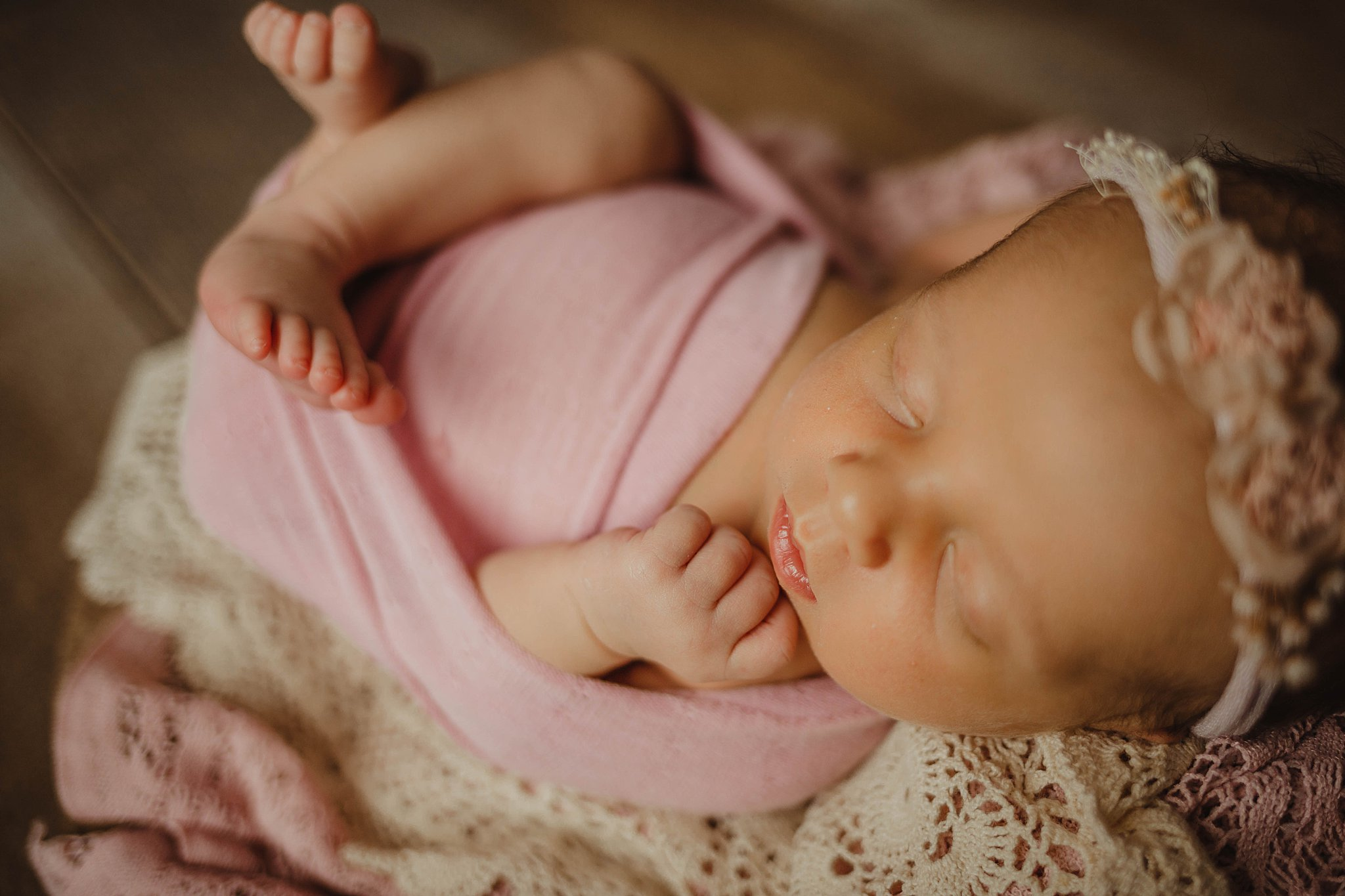 osage-beach-missouri-newborn-photo-studio-flowers-03-11-2019-3.jpg