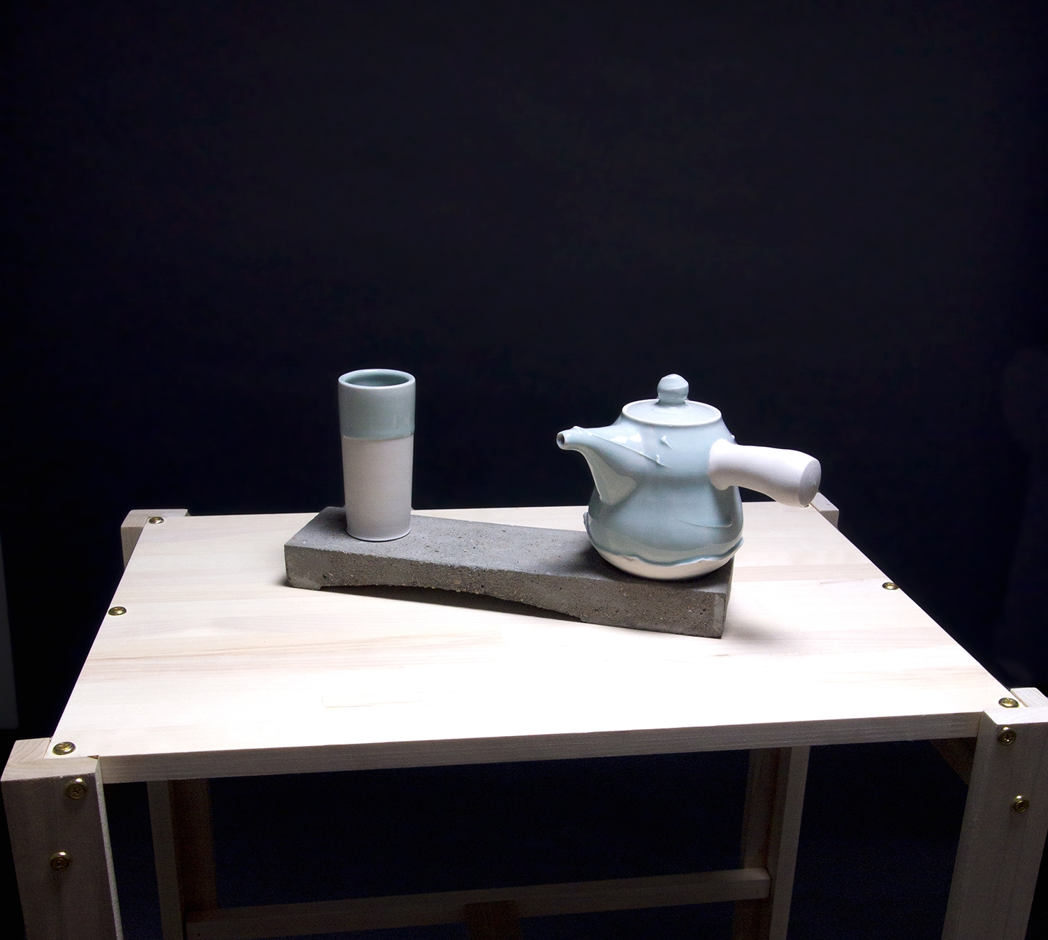Blue-Teapot-with-Cement-base.jpg