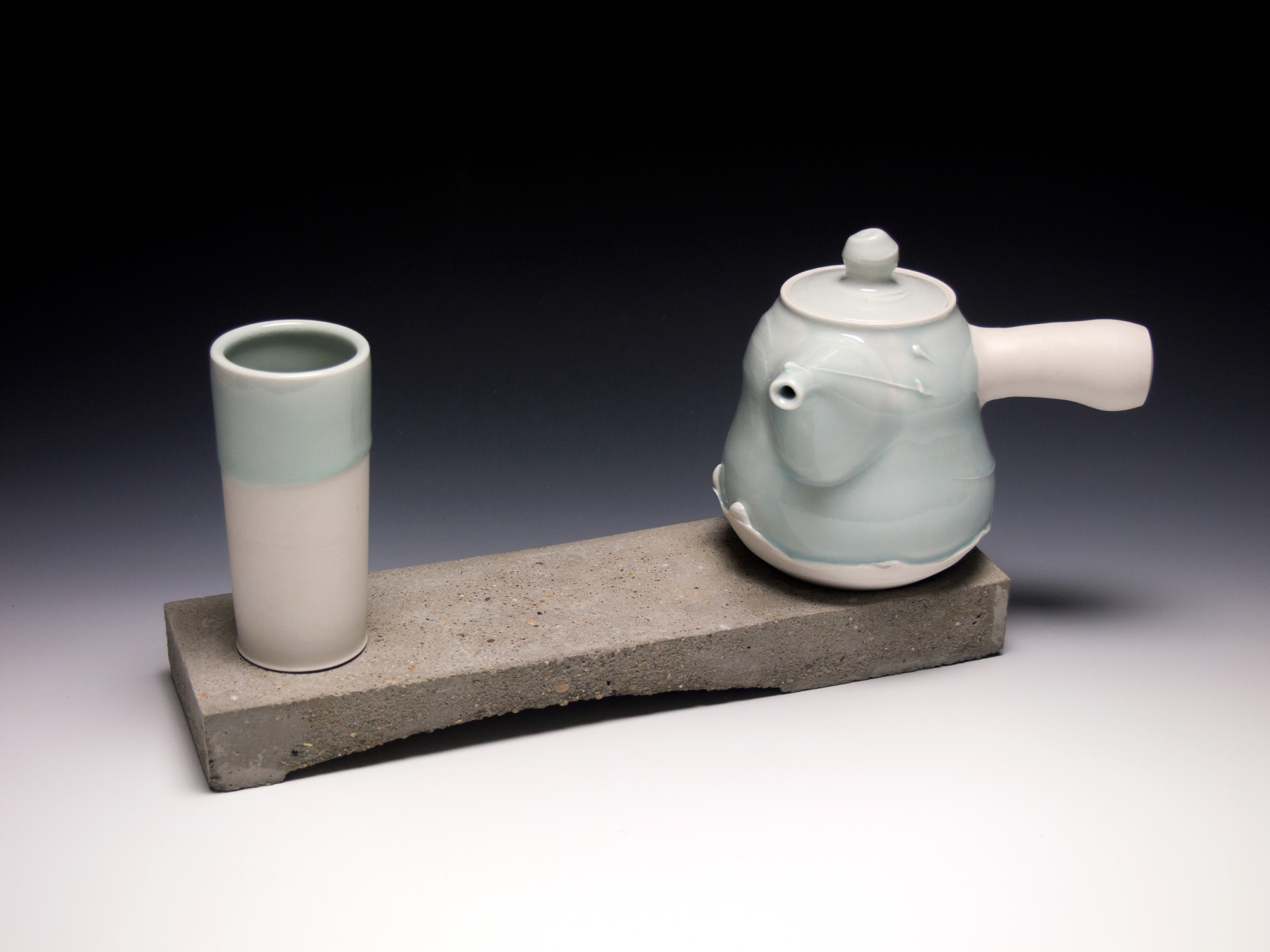 Blue-Teapot-with-Cement-base2.jpg