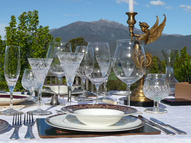 Weather permitting, luncheons on the Lodge's lawn ( by arrangement ).