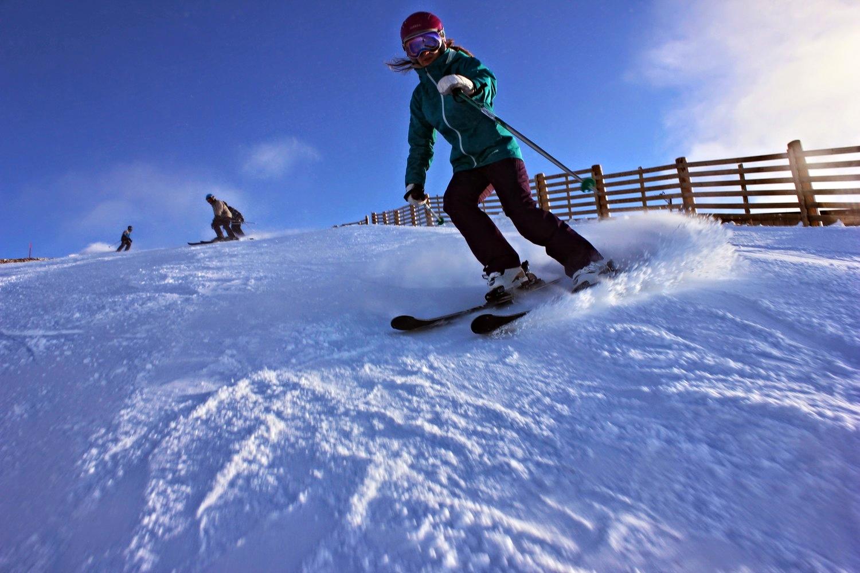Ellie Ross skiing.JPG