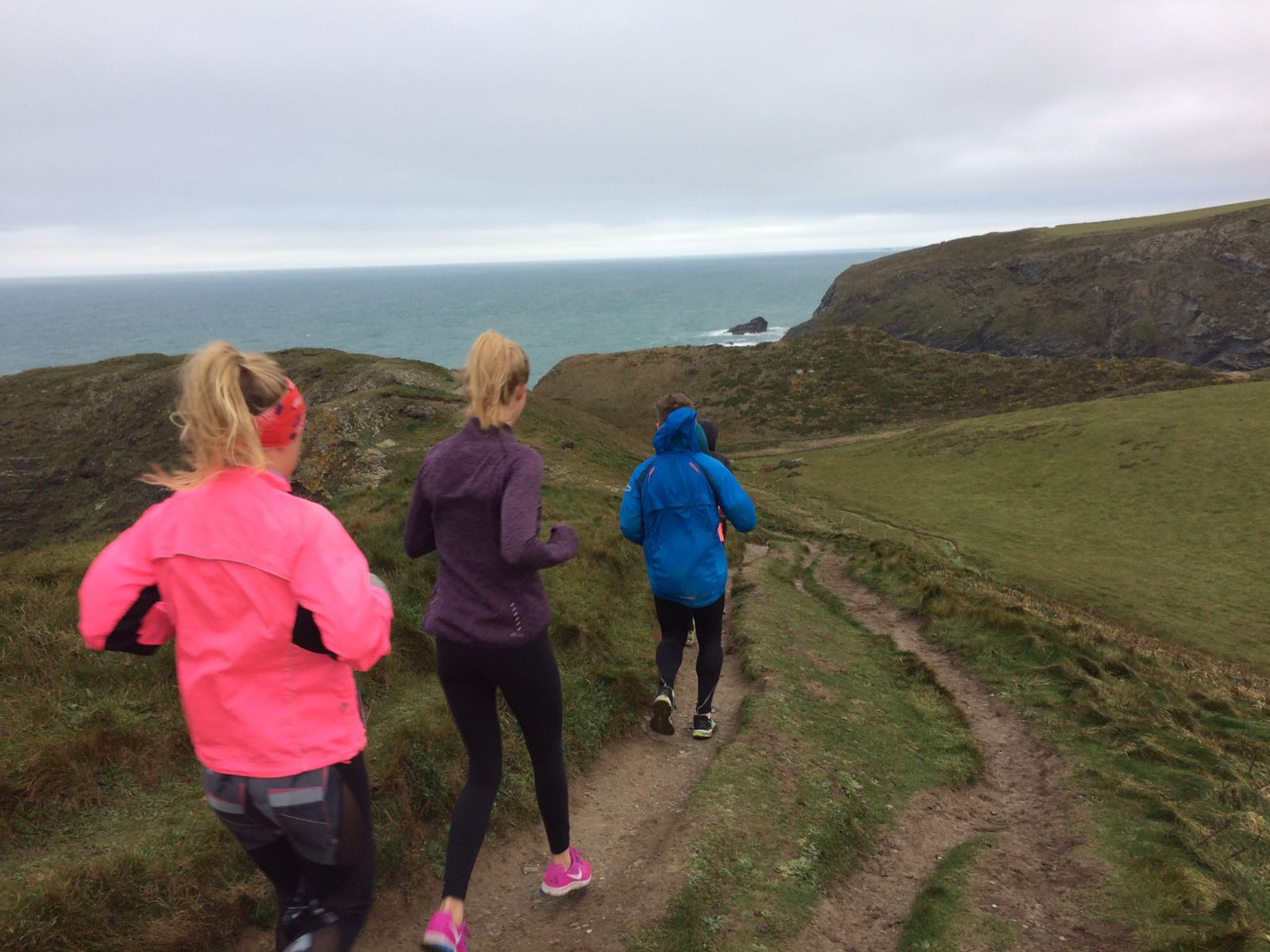 A coastal run to kick-start the day (Image: Helen Clare)