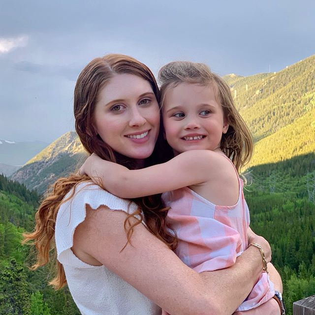 Heading back home after exploring the mountains yesterday ✈️ . . . . . . #colorado #hike #workout #explore #wildflowers #healthyhabits #motivation #lucky #parenting #dailyparenting #toddler