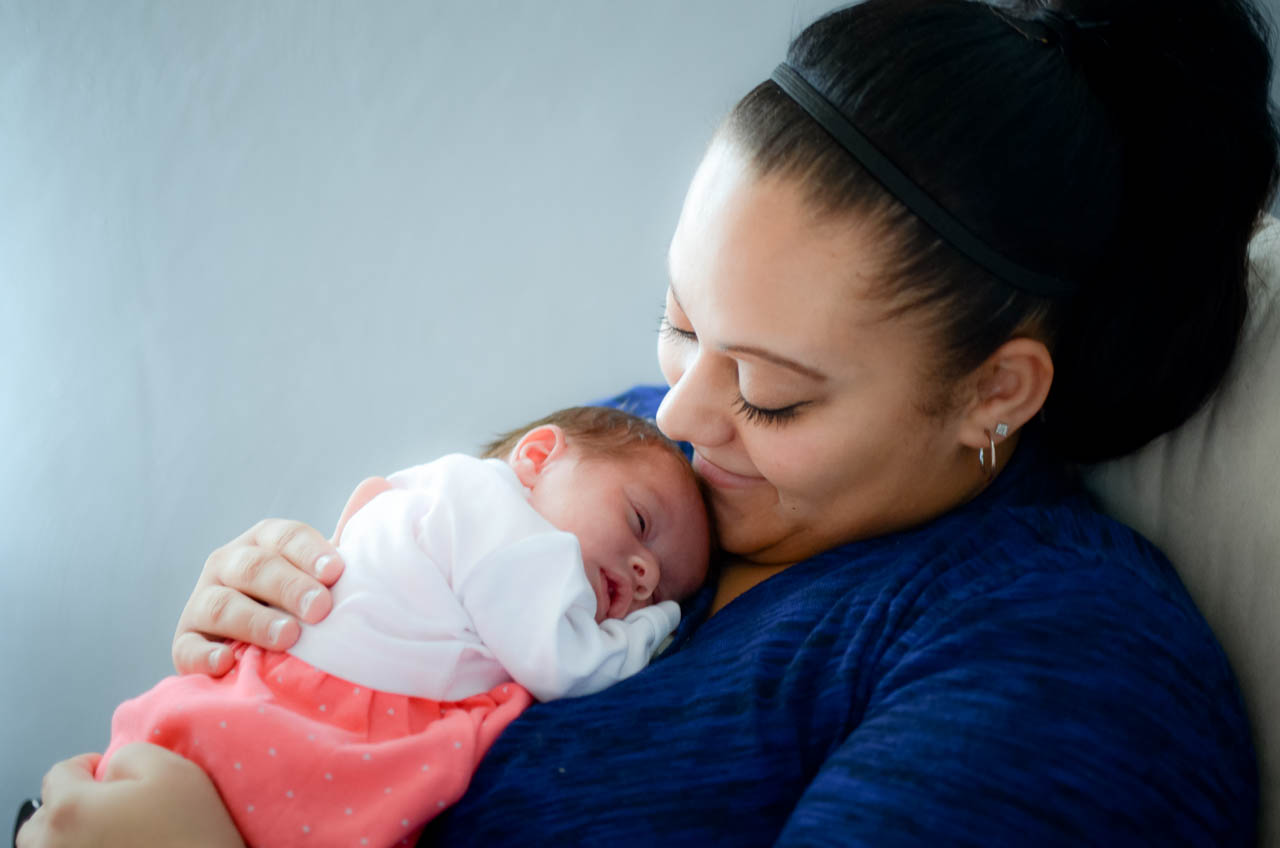 Motherhood photographer