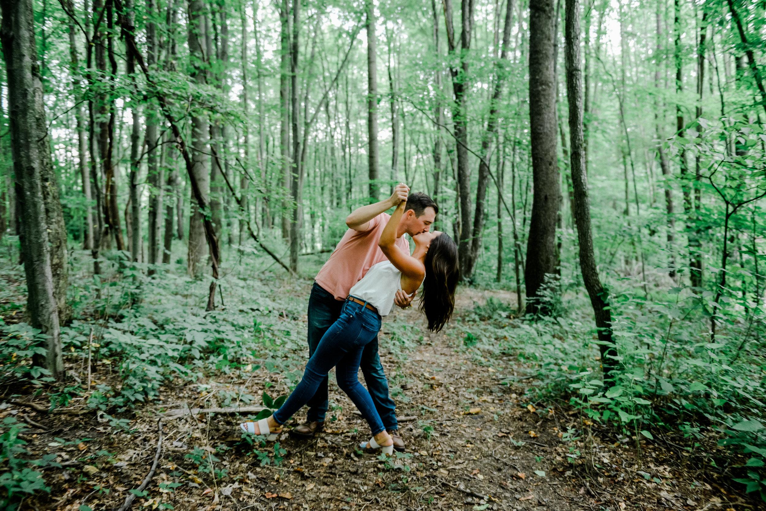 akron -ohio-backyard-engagement-session.jpg