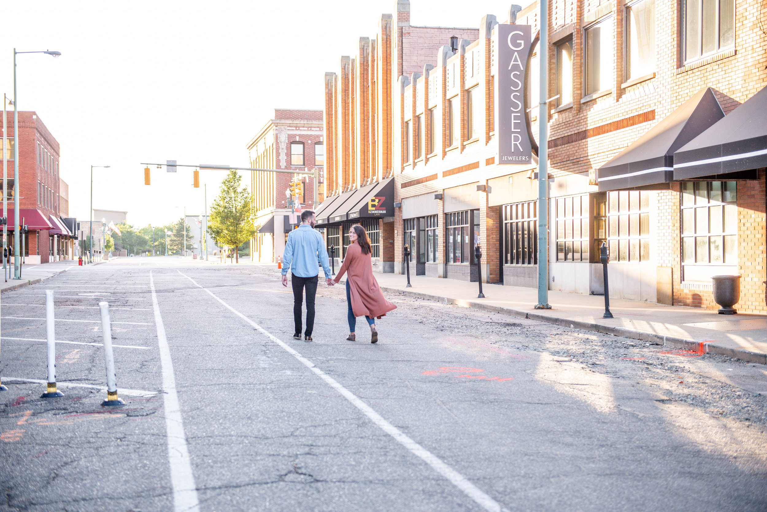 downtown-canton-ohio-engagement-session.jpg