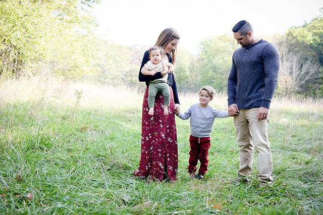 These Fall minis were the best - already planning out some Spring ones! • • • #clevelandphotographer #clevelandfamilyphotographer #cleveland #syphotocle #fallminisessions #bayvillage #bayvillageohio