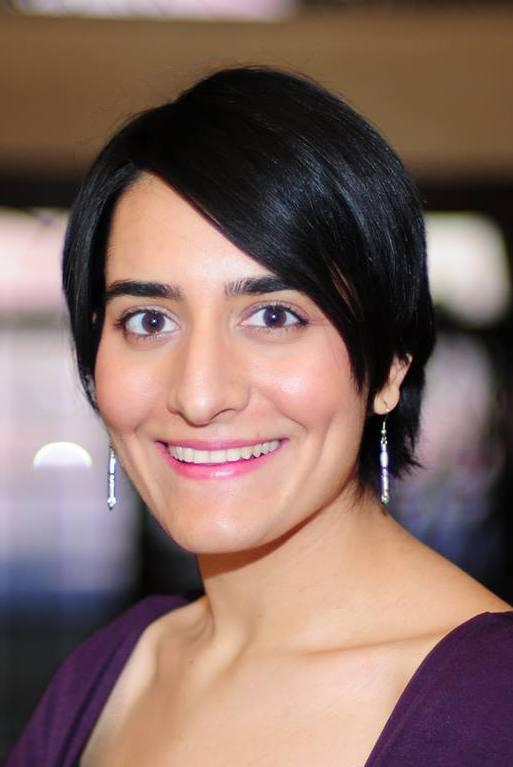 Aumna-Iqbal-Headshot.jpg