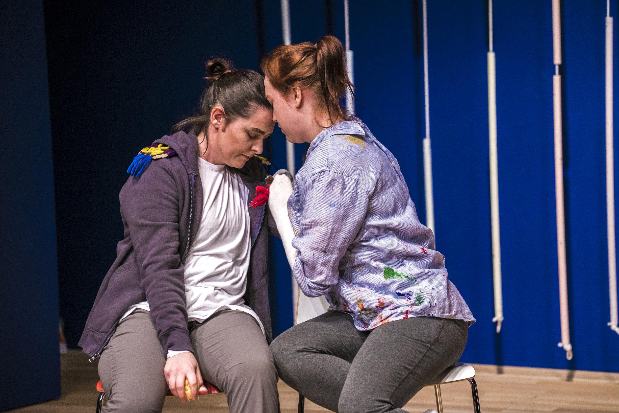 Laura Mitchell as Medoro and Lydia Dahling as Dorinda in Orlando. Photo credit: Lucas Godlewski