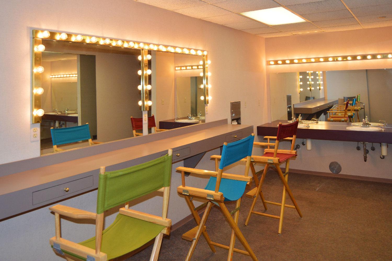 dressing_room.jpg