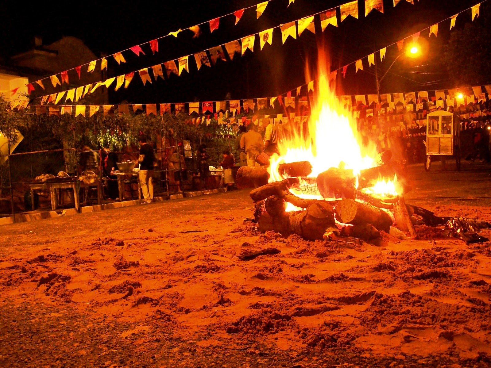 fogueira-na-festa-junina.jpg