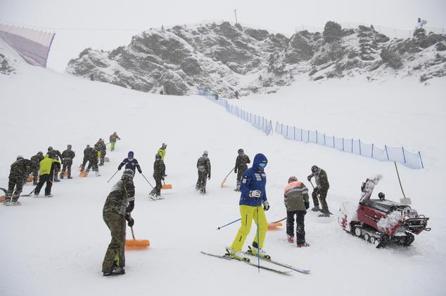 Volunteers working Lauberhorn DH, Switzerland