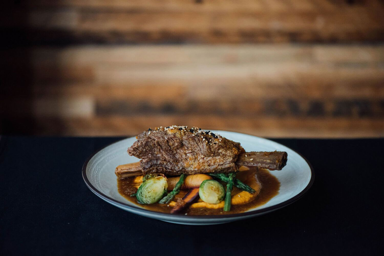 restaurant-cho-asian-brasserie-st-henri-montreal-braised-beef.jpg