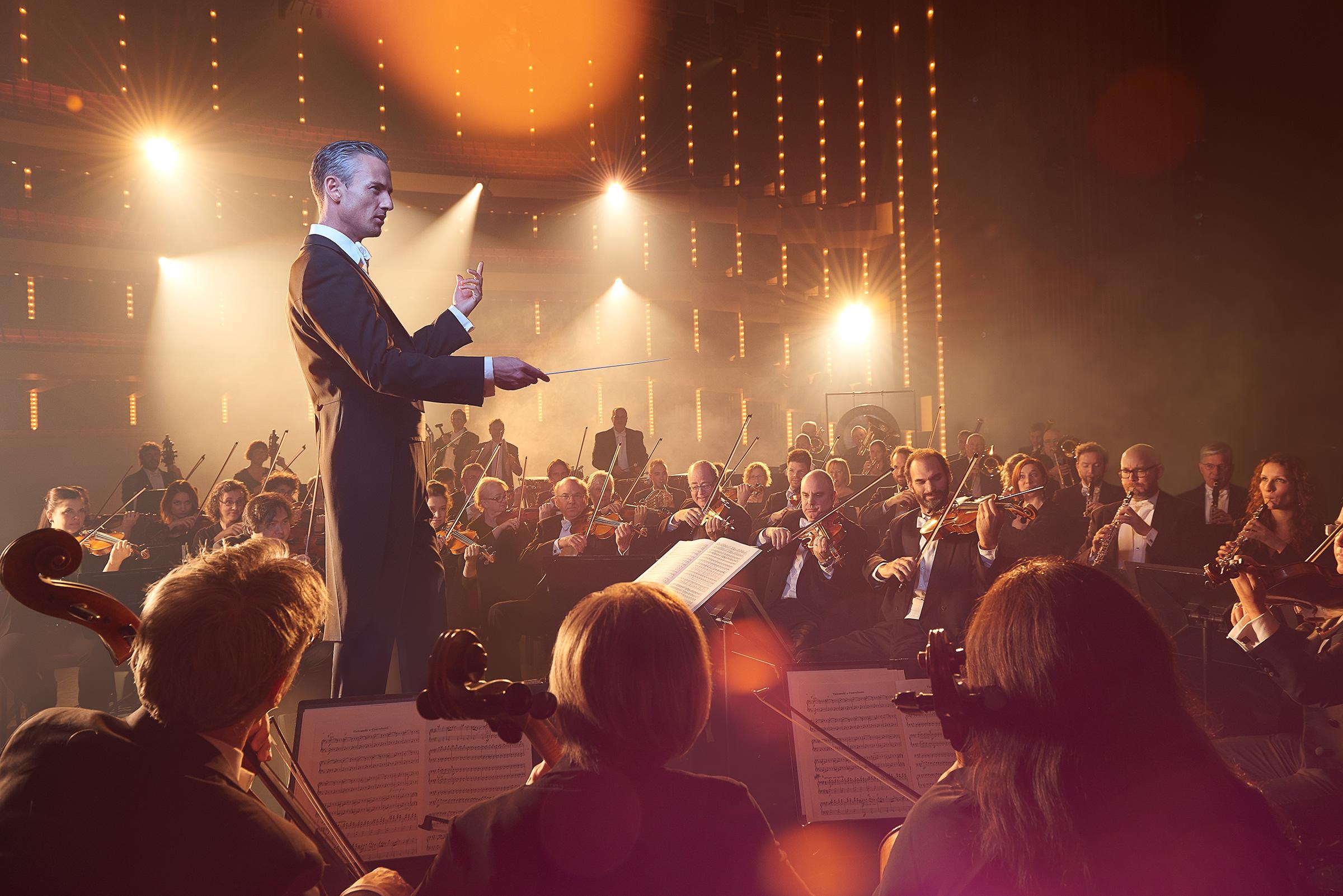 National Art Center Orchestra #NACO Ottawa conductor #AlexanderShelley.jpg