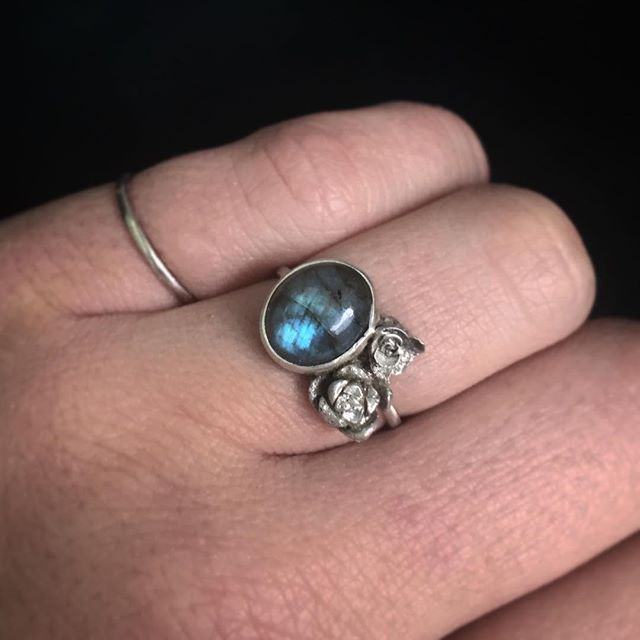 Took a little break from orders yesterday to have some fun with some new supplies and create this ring. Two tiny silver cast succulents, and a pretty labradorite stone.  Available tonight in the Etsy shop, ready to ship, or message me here if you want to reserve it! $75, can be custom sized. #metalsmith #handmade #handmadejewelry #etsy #jewelry #silversmith #ladysmith #labradorite #labradoritejewelry #succulents #silverring #castsucculents #succulentlove #jewelrydesigner #jewelryoftheday
