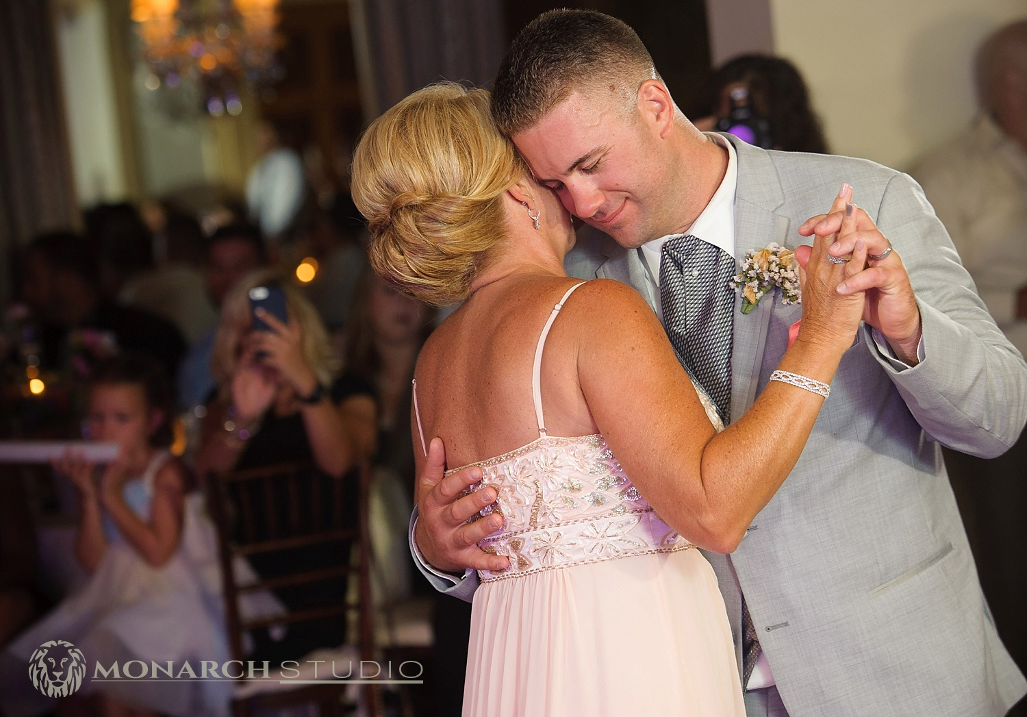 Mansion-at-Timber-Pointe-Wedding-Photographer_0061.jpg