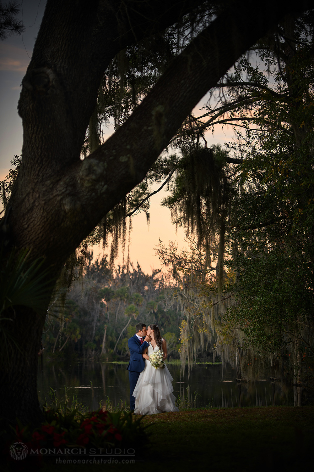 No better backdrop for a wedding, that the beautiful Wekiva River