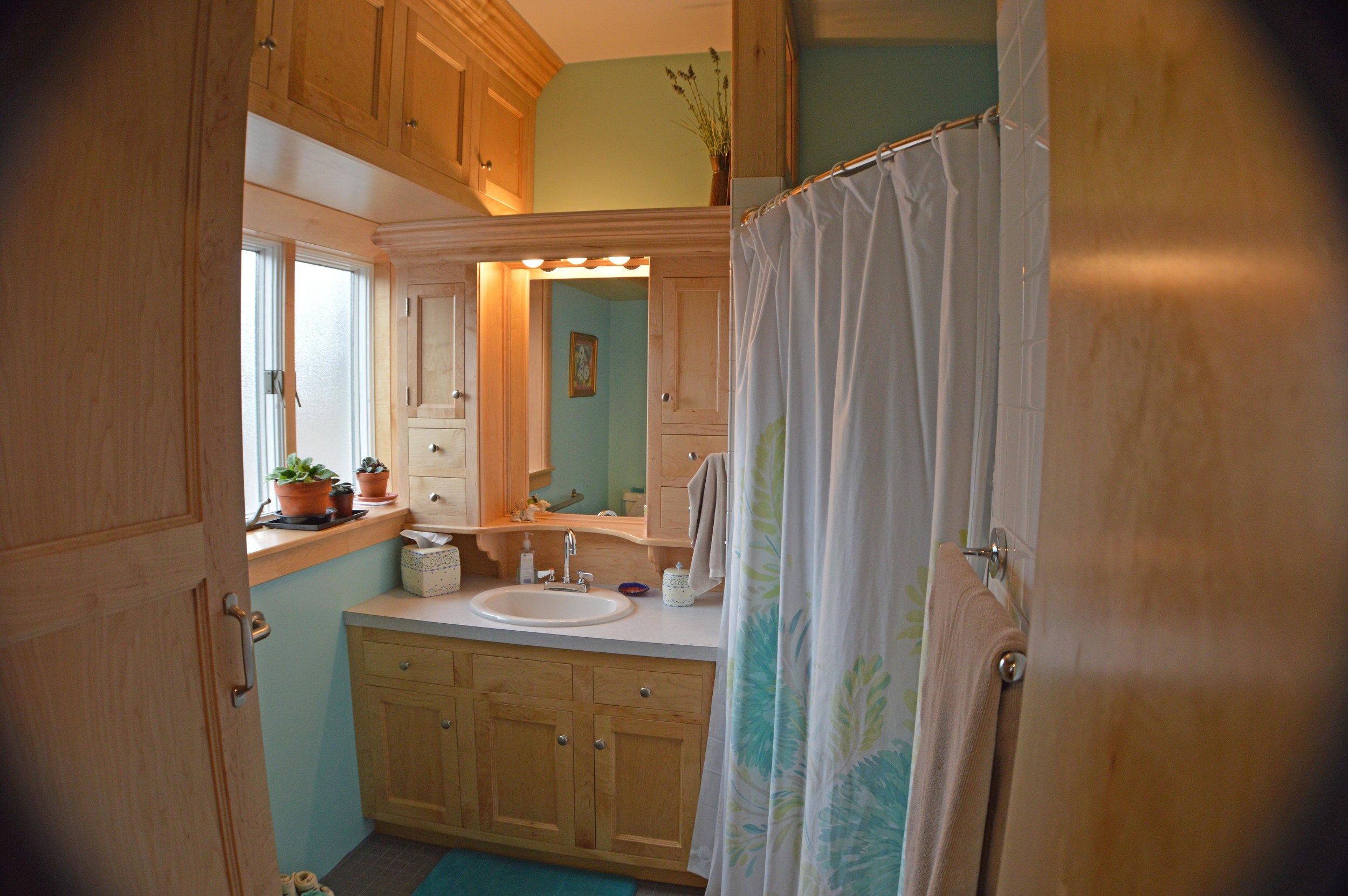 bathroom 01.jpg