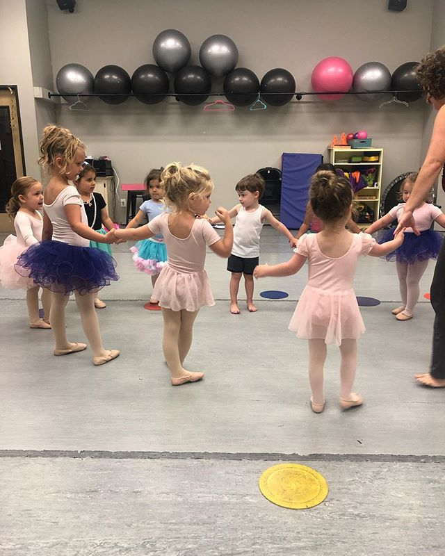 Had a pretty amazing week at Fancy Nancy camp this past week! 👛💍👑 .  Are you interested in Fall classes? Head over to our website and check out what we have to offer and get registered online! Link in in our bio! .  #fspadance #cspadance #fallclasses #dance #preschoolclasses #ballet #tap #jazz #modern #franklintn #brentwoodtn #columbiatn