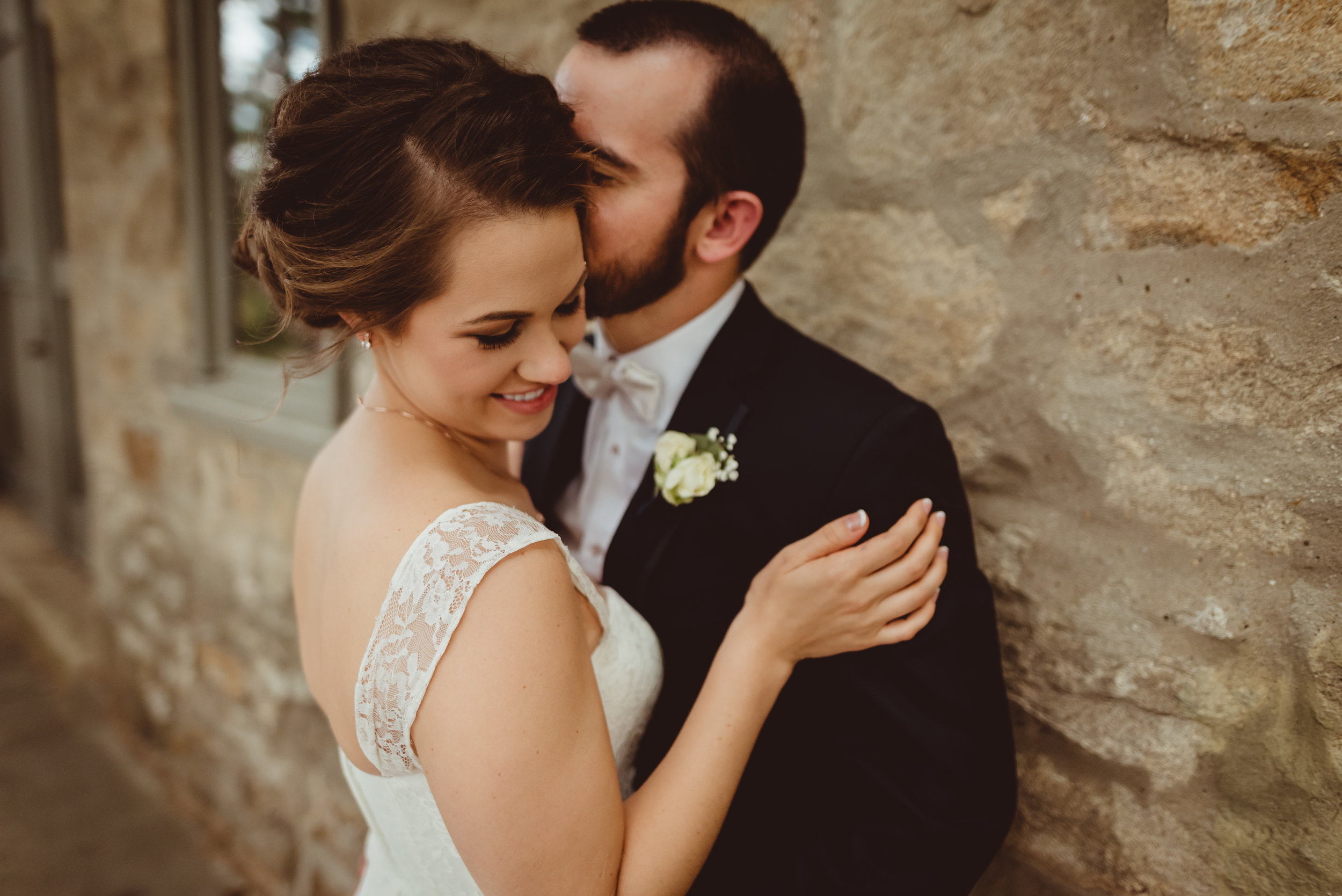 brittney-nestle-wedding-photography-olivers-carriage-house-behnke.jpg