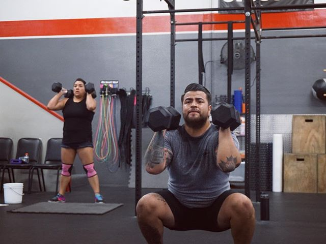 Special vibes coming from these two. Finding balance in their work, self, and loving their infant daughter. 🙌 But seriously, today's workout really sucked. 🤮☠️ #newparents . . . . #grudgefitness #gardengrove #westminster #ocfitness #crossfit #fitness #rolemodels